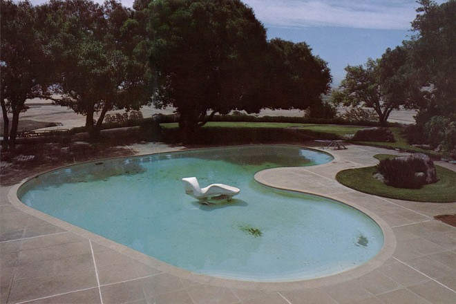 The pool at El Novillero, with sculpture by Adeline Kent. A recent photograph by the author.