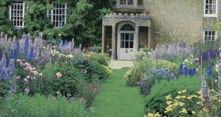 Double herbaceous borders at Bampton Manor, Oxfordshire. Photograph by Christine Rosmini.