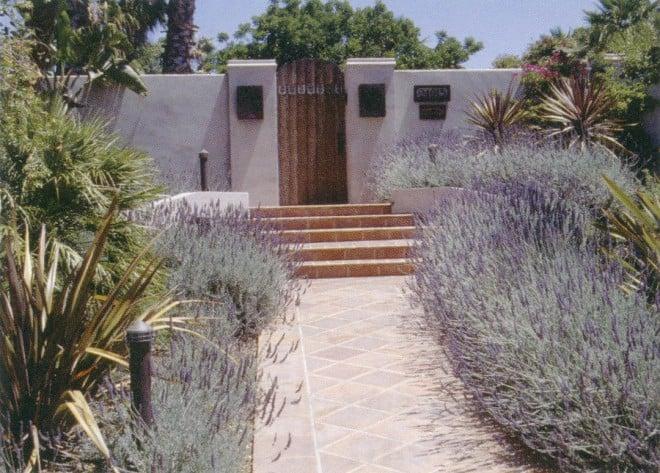 Los Altos Hills garden by Kathleen Craig. Photographs by RGT