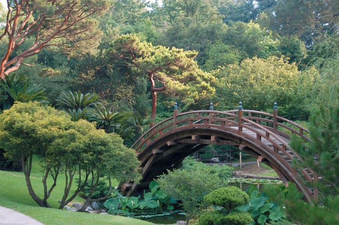 Moon bridge, Huntington Botanical Gardens Japanese Garden. Photograph by James Folsom - See more at: http://www.pacifichorticulture.org/articles/california-japanese-style-gardens/#sthash.Xd9FEtny.dpuf