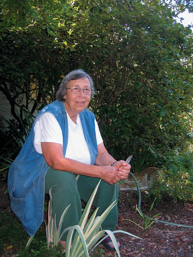 Barbara Worl in her Menlo Park garden. Author's photographs, except as noted - See more at: http://www.pacifichorticulture.org/articles/barbara-worl-a-profile/#sthash.4RgQQnWw.dpuf