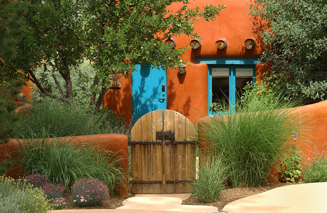 Traditional Santa Fe cottage. Photo: Shutterstock